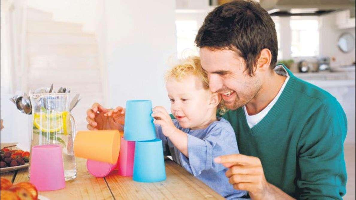 Çocuğa Az Oyuncak Almanın Faydaları Neler