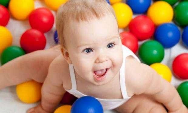 1 Yaşından Küçük Bebekler için Oyuncakların Önemi 4